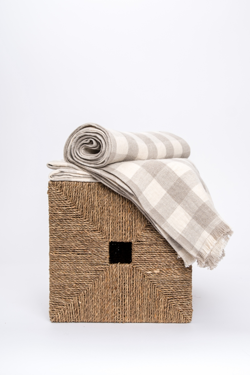 Buffalo check linen twill throw with frayed ends