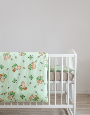 Green toddler bedding from cotton