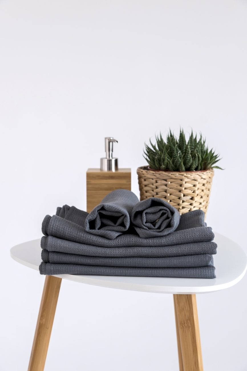 Grey quick-drying towel from pure linen