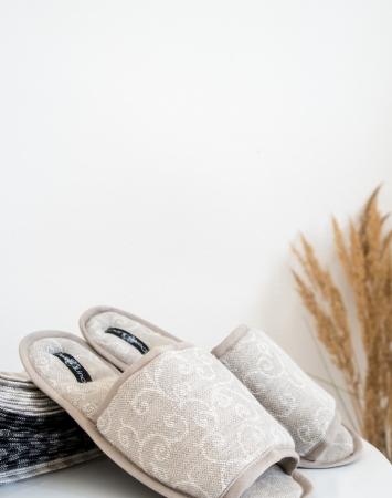 Jacquard linen blend bath slippers with arabesque print