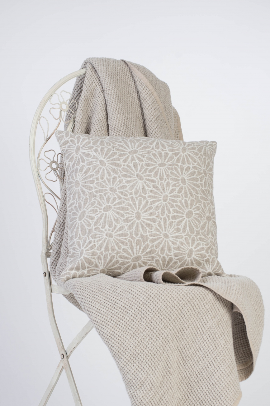 Linen throw pillow cover with camomile pattern