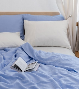 Light blue linen bedding set