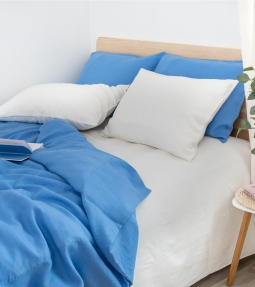 Blue linen bedding set