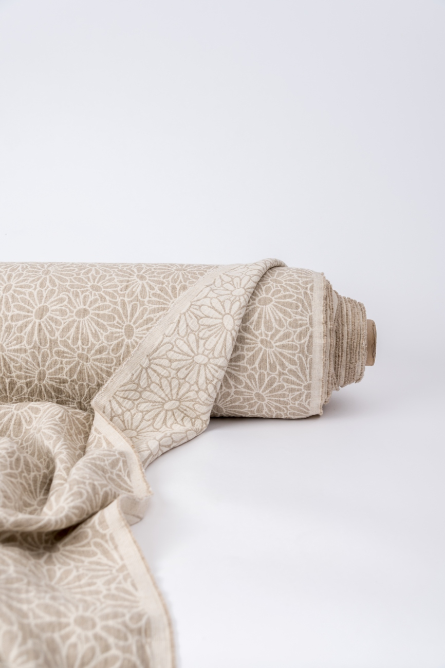 Midweight linen jacquard fabric with camomile pattern