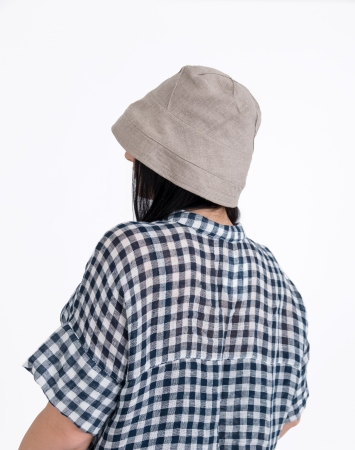 Natural bucket hat with stitching