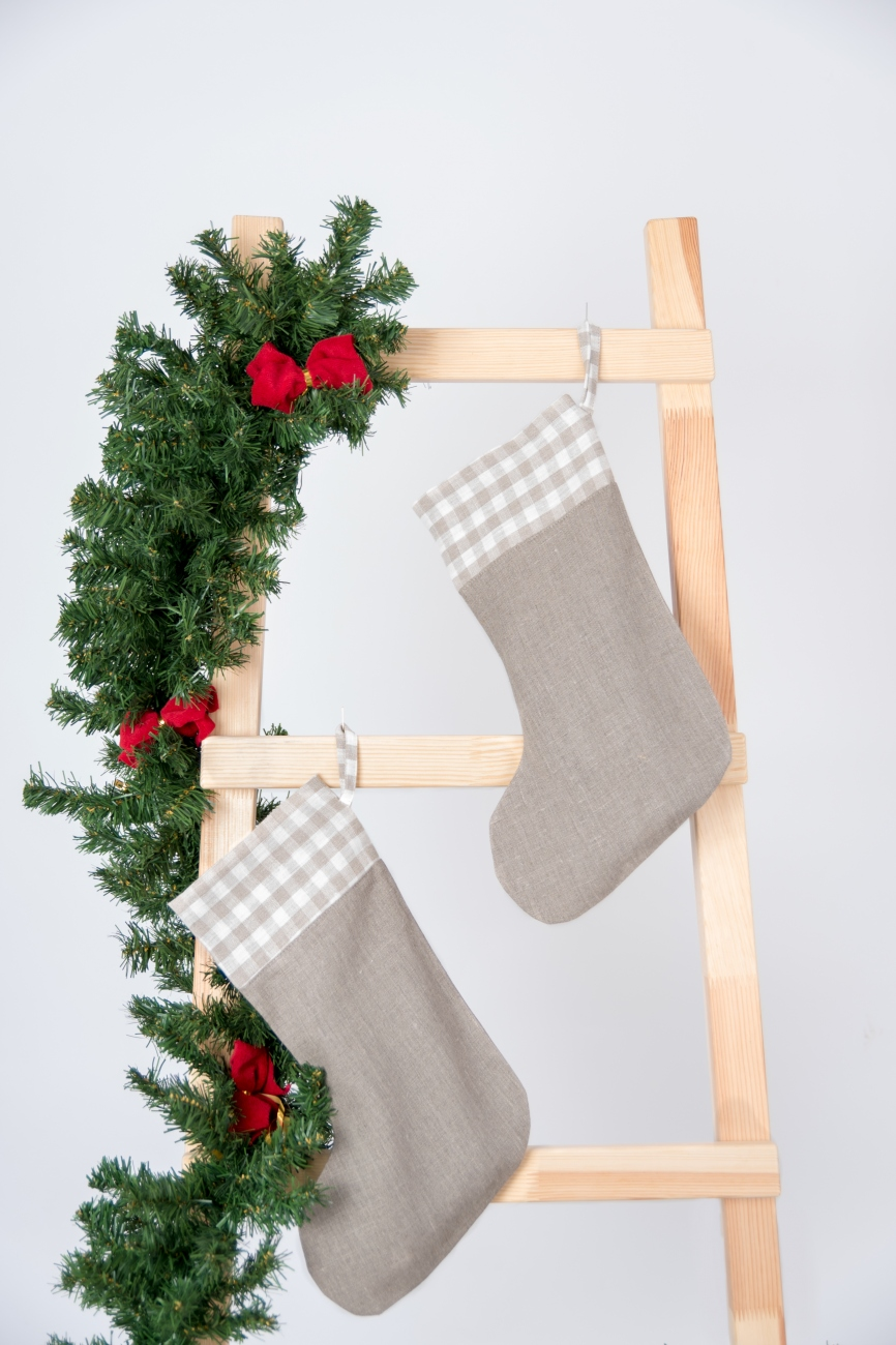 Natural linen Christmas stocking with Checkered cuff