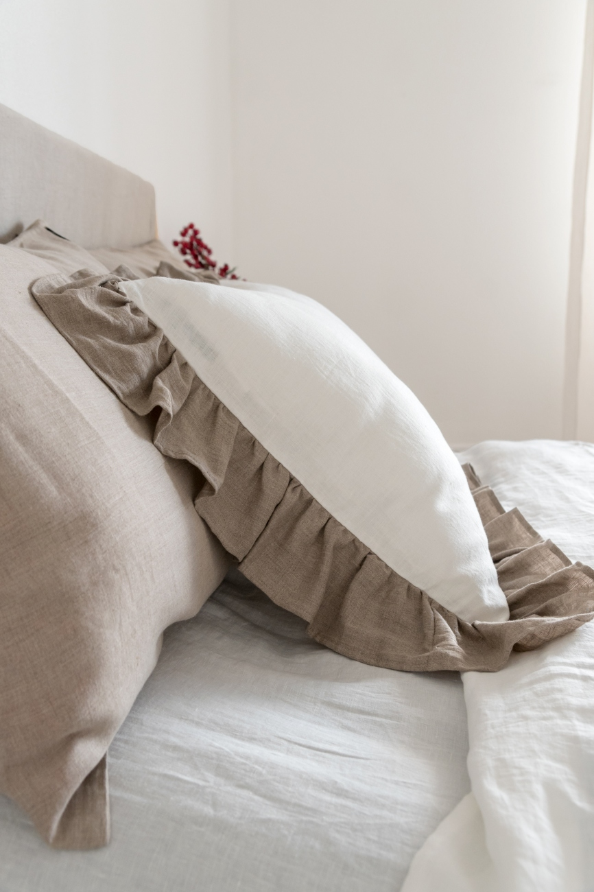 Off-white fitted linen bed sheet