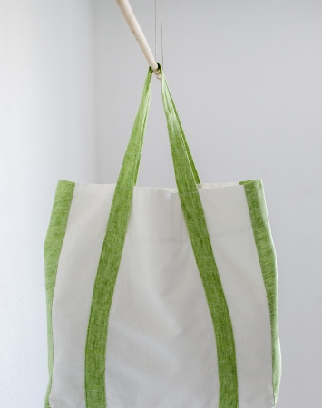 Off-white linen shopper bag with green details