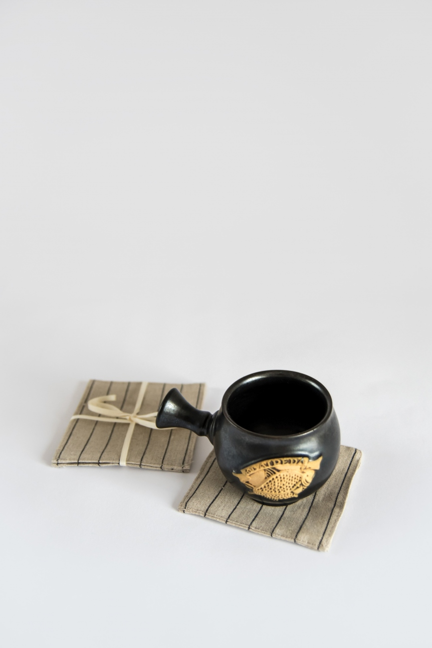 Set of 6 linen coasters with black pin stripe pattern