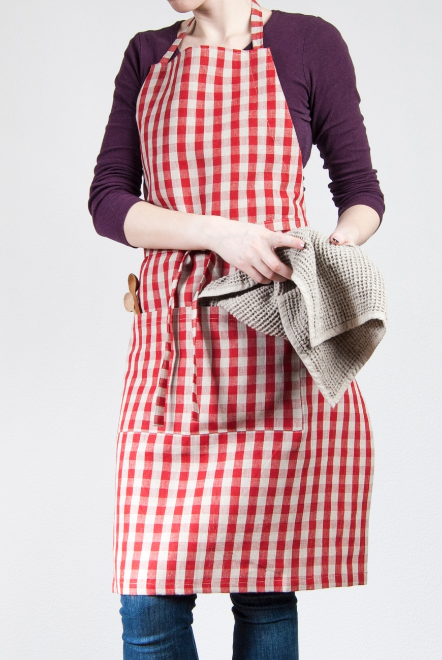 Vichy linen bib apron with a double pocket