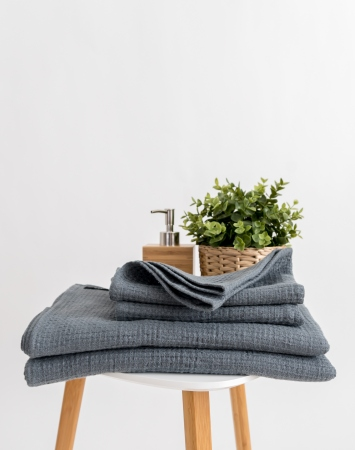 Waffle linen bath towels in graphite grey